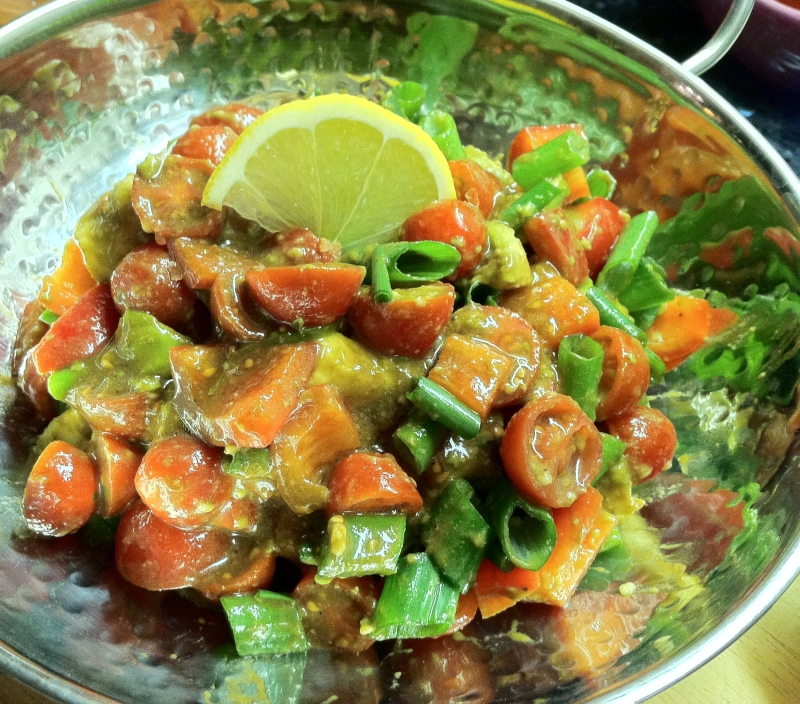http://pantryandfridge.wordpress.com/2012/01/28/avocado-tomato-salad/